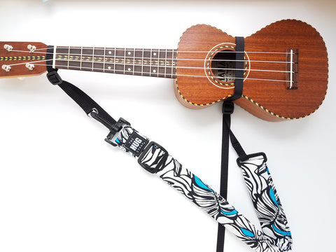 Hug Strap for Ukulele - White Tapa on Aqua