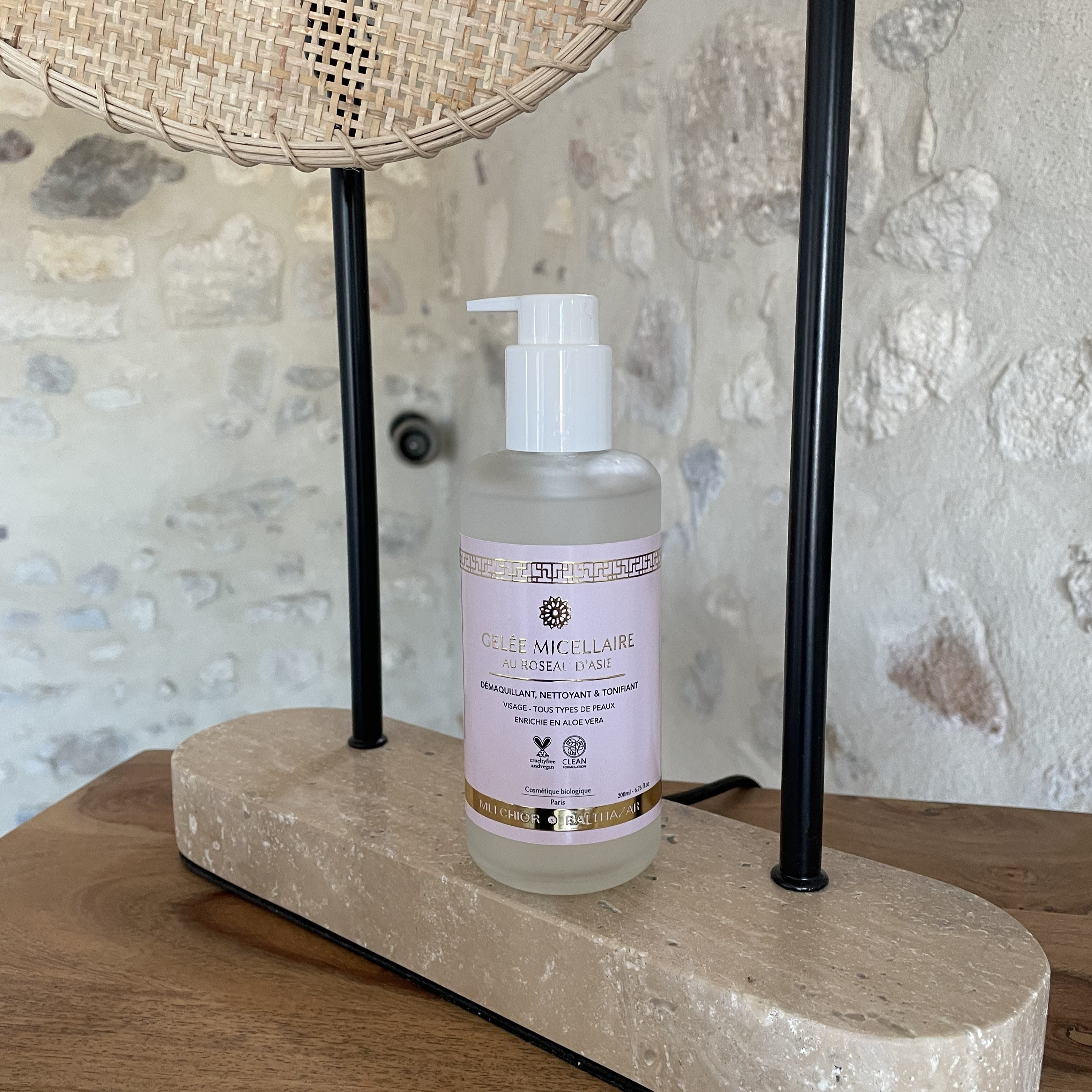 Micellar jelly with Asian Roseau