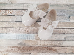White Baypod diamante ribbon hard bottom shoes
