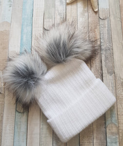 White knitted faux fur Double pom pom hat