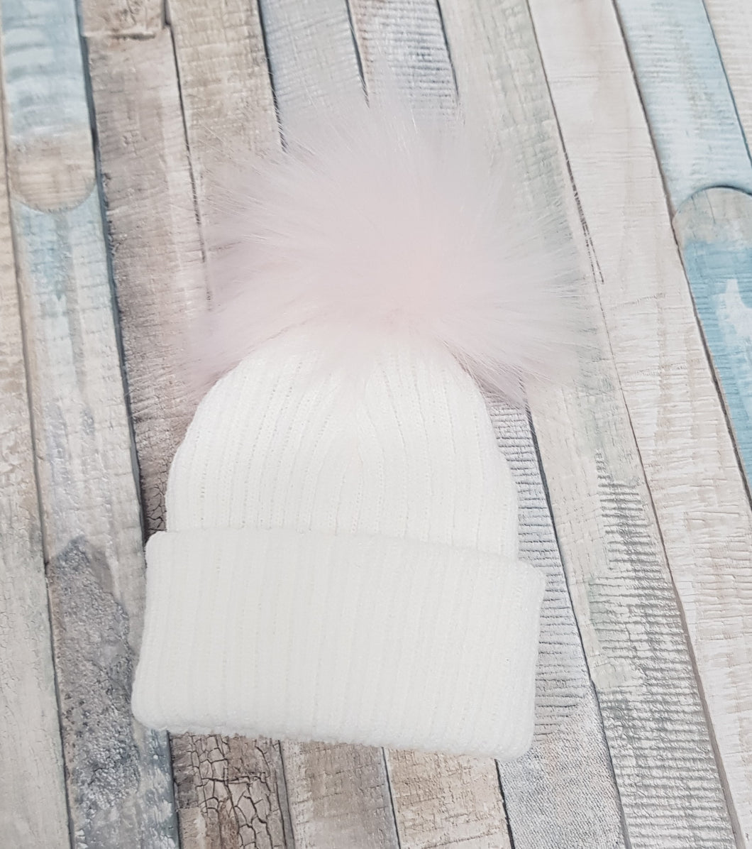 White knitted single hat with pink  pom