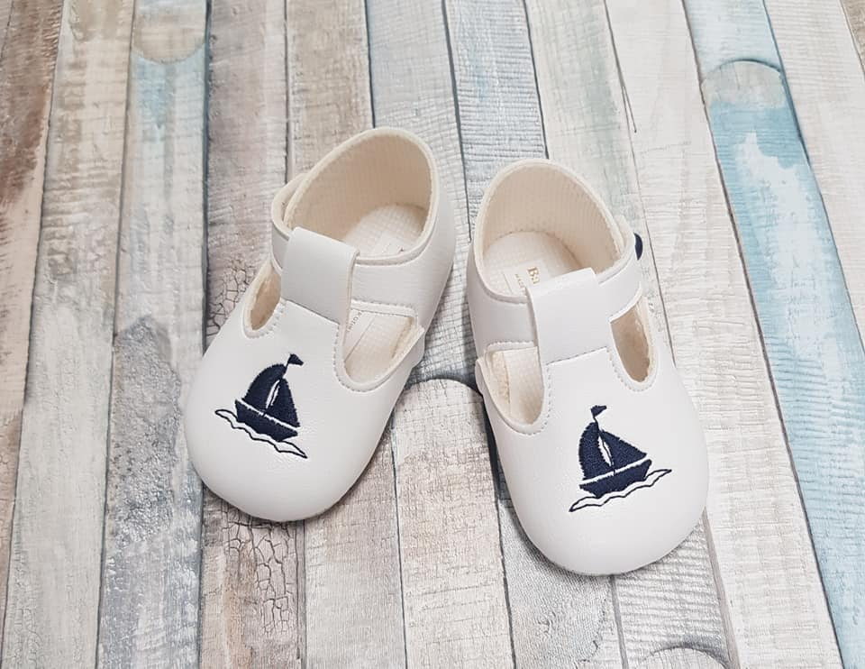 Baypod white & navy t bar soft sole shoe with boat design