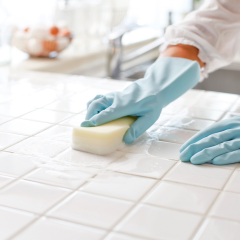 scrubbing cleaning gloves