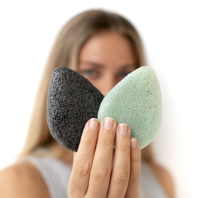 Duo Cleanse Kit (One Charcoal One Green Sponge)