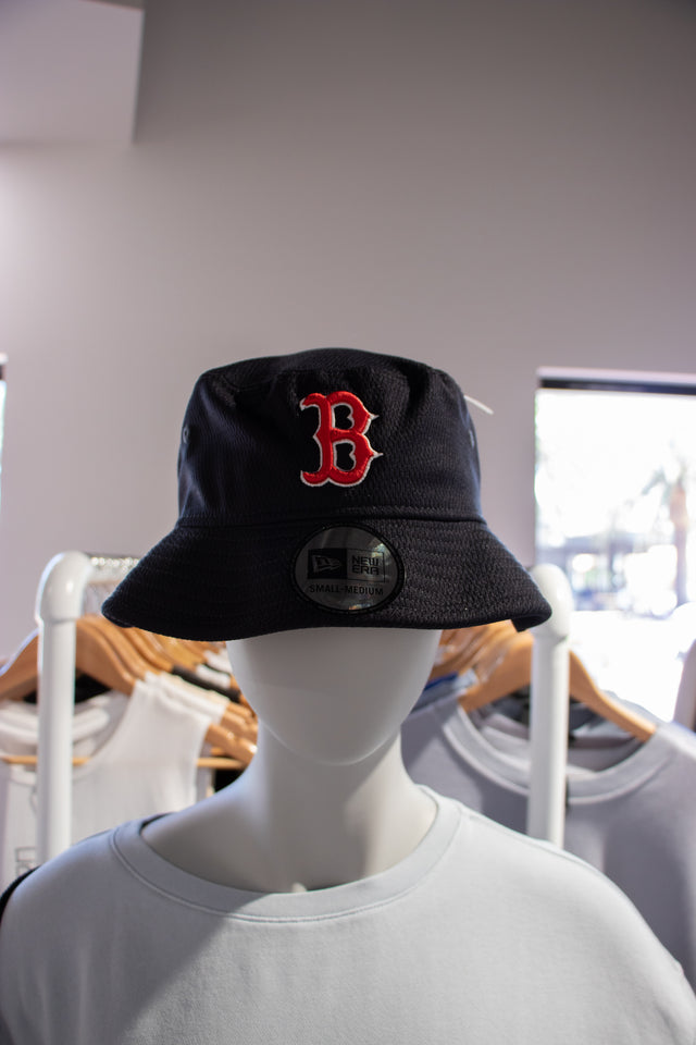 Boston Bucket Hat Black with Red