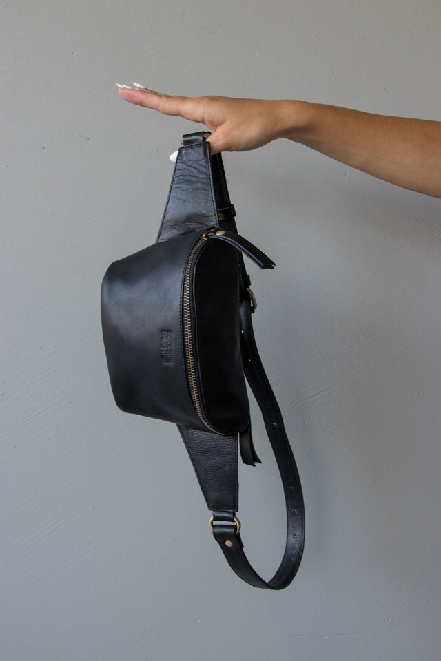 Favourite Daughter Cross Body Bag Black