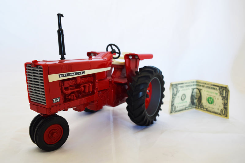 International Harvester 856 Vintage Toy Tractor