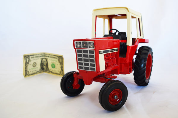 International 1586 Vintage Toy Tractor