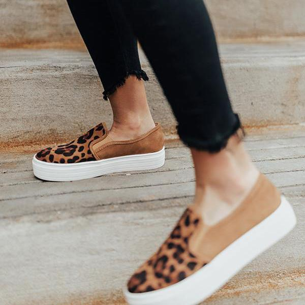 Chloebuy Animal Printed Flat Sneakers (Ship in 24 Hours)