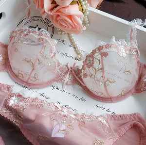 Free Shipping! Exquisite embroidery lotus pink ultra-thin women's sexy transparent lace underwearintotham-intotham
