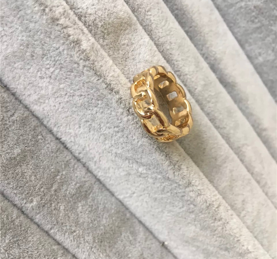 Gold Link Ring