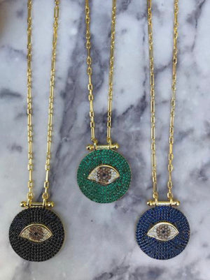 Long eye necklace in medallion