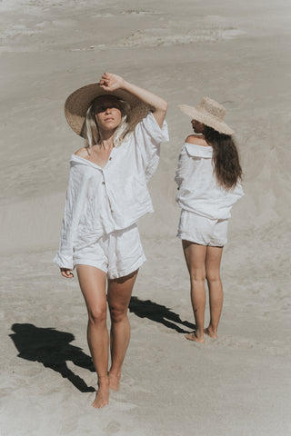 100% linen summer set with shirt and shorts in the colour white