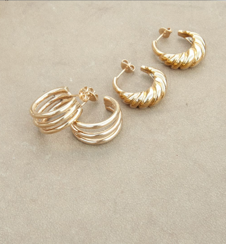 Sustainable earrings made out of recycled gold inspired by summer and the beach
