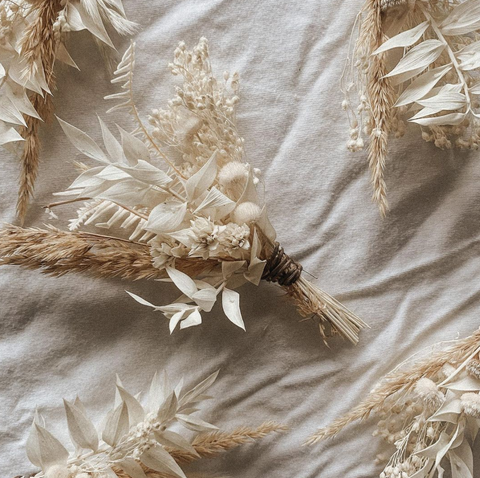 Dried floral boutonnieres for boho, minimalist inspired weddings