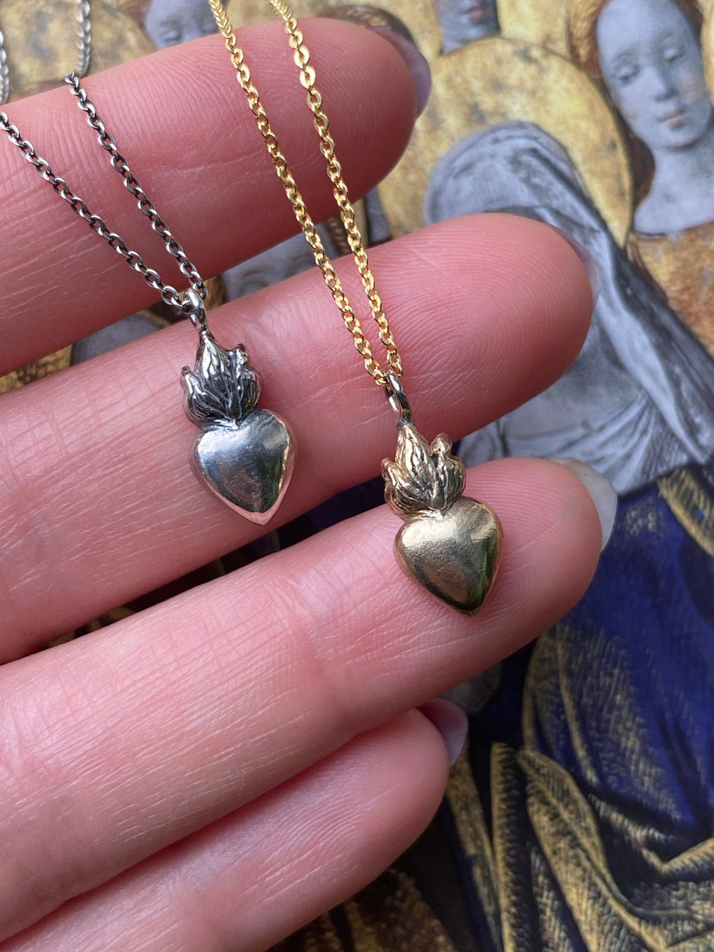 Dainty Sacred Heart Necklace