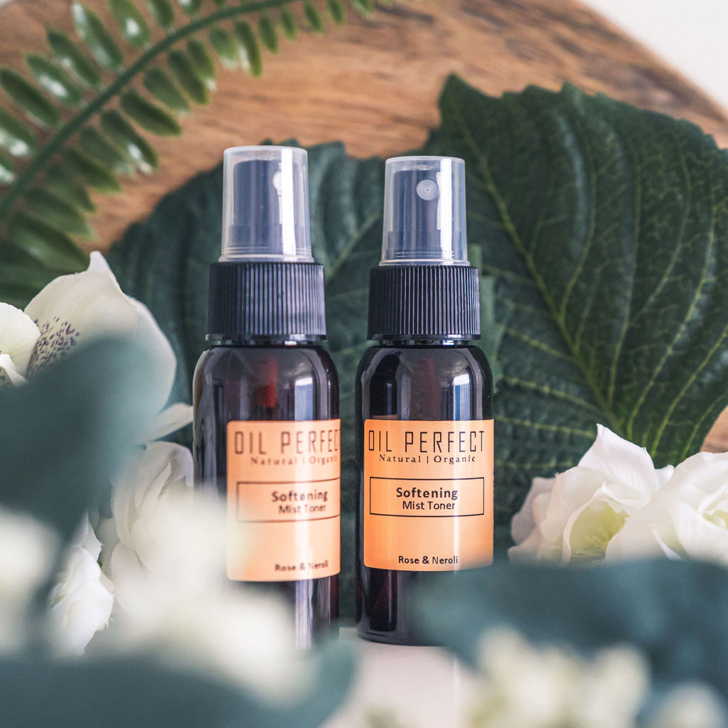 Infused with organic Rose & Neroli hydrosols, this aromatic luxurious floral mist toner delivers instant hydration, leaving skin soft, nourished, & rejuvenated. By Oil Perfect.