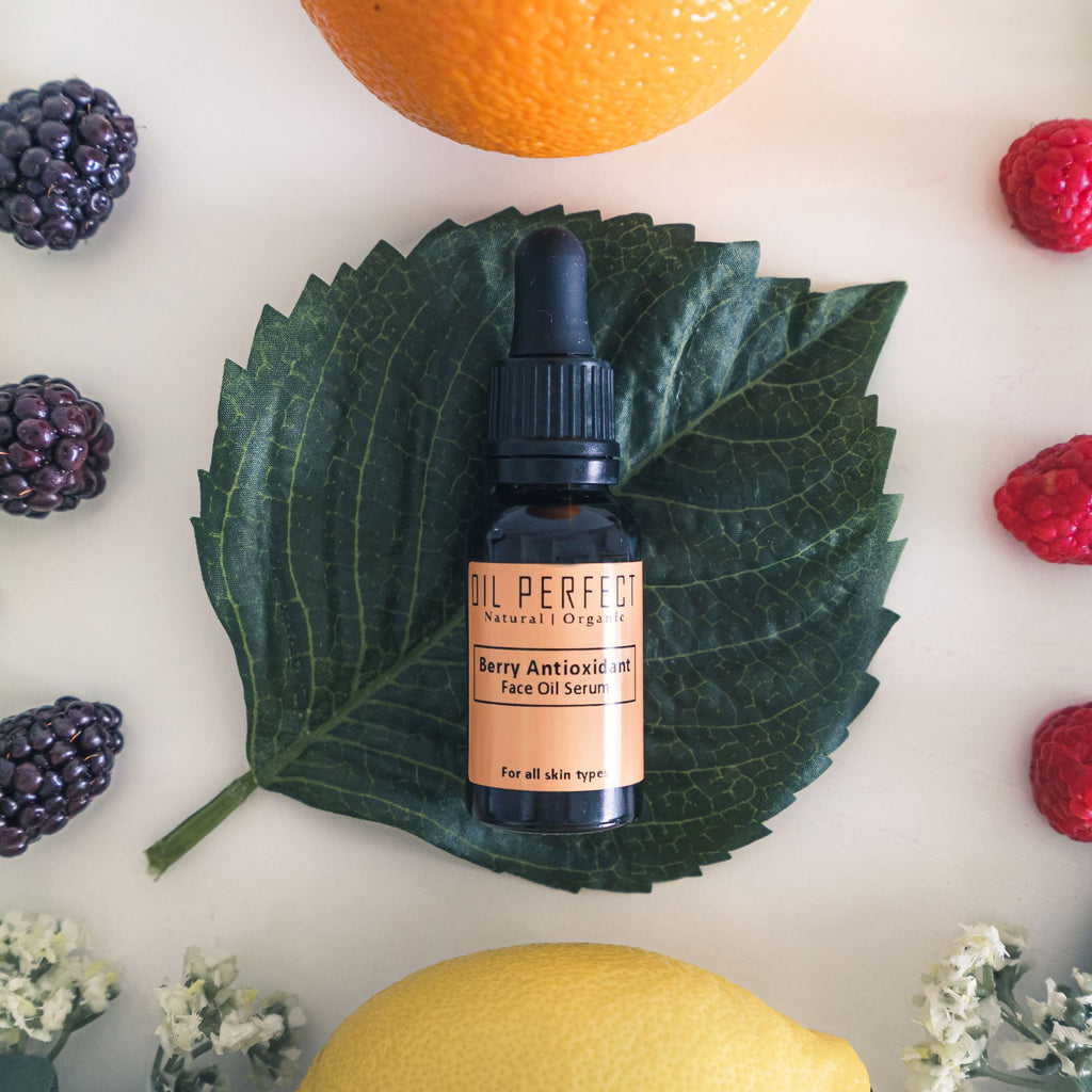 A high performance & luxurious organic face oil provides optimal nourishment & essential moisture for visibly firmer and brighter complexion. By Oil Perfect.