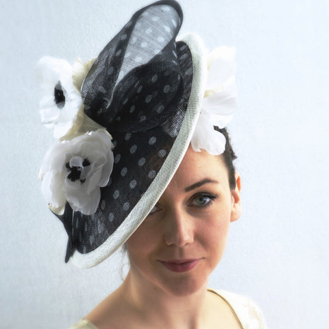 VIENNA - Black and White Saucer Hat