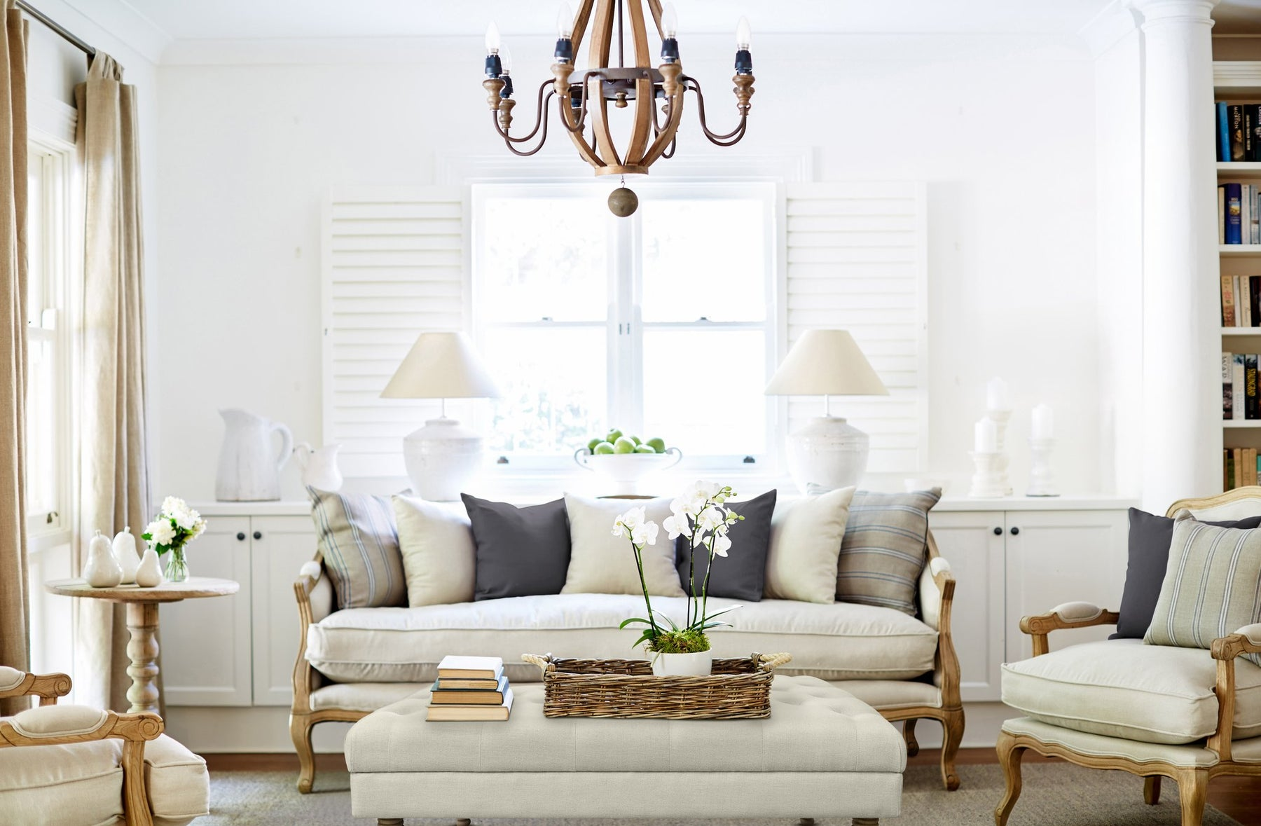 French Provincial Style - Relaxed Elegance for your Living Room