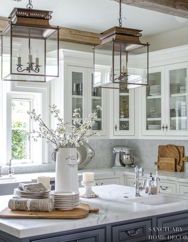 22 Stunning Hamptons Style Kitchens You Will Love!