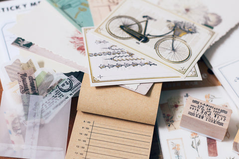 August planner stationery box - Vintage themed - YourCreativeStudio
