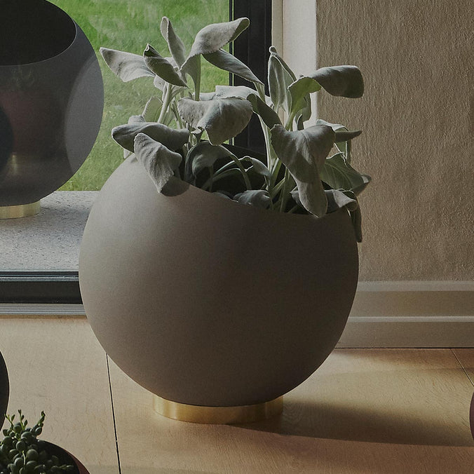 AYTM Globe Flower Pot, Taupe