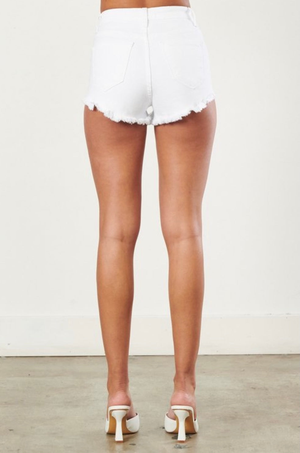 White high waisted shortsc