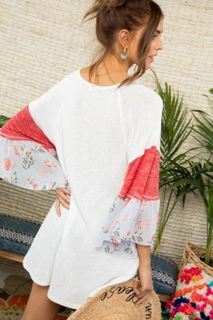White mix pattern top raglan