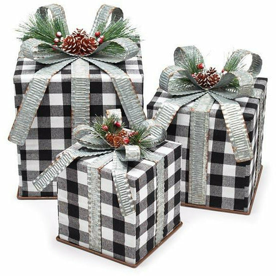 BLACK/WHITE CHECK GIFT BOX DECOR Small