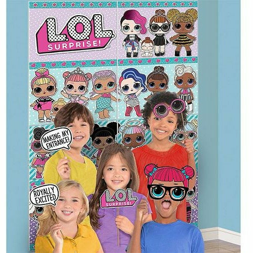 L.O.L. Surprise! Scene Setter with Photo Booth Props