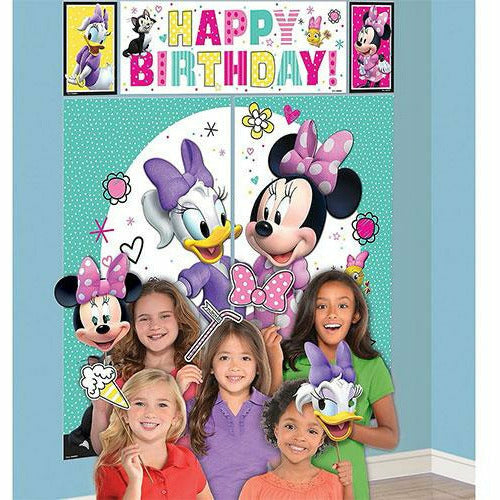 Minnie Mouse Daisy Scene Setter with Photo Booth Props