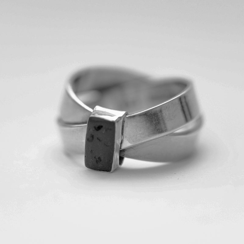 Kaldera Atelier Bhu Ring in 925 Sterling Silver and Mount Agung Lava Stone.