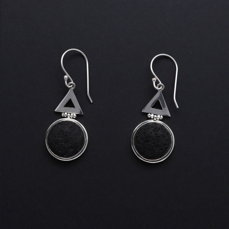Kaldera Atelier Echo & Echo, rond Earrings in 925 Sterling Silver and Mount Agung Lava Stone.