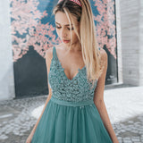 Tulle Bridesmaid Dresses V-Neck Appliques Dresses For Wedding Party