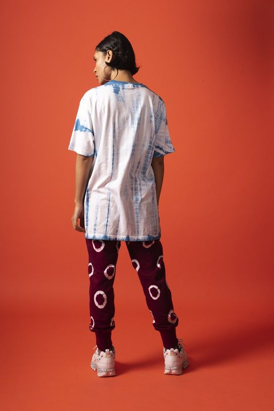 Back view of unisex colonisation was a start up tee in 100% cotton