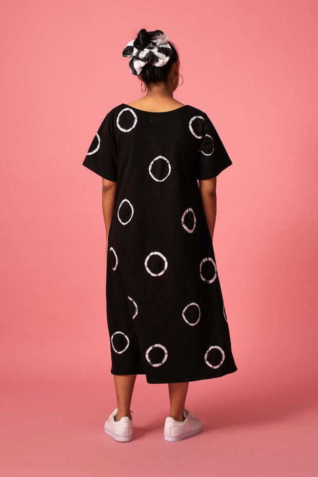 Back of Norblack Norwhite black midi ring dress