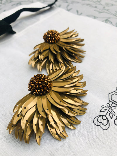 Gold Marguerite Earrings