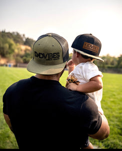DadVibes Classic - 3-D Puff Snapback (Loden/Black Mesh)