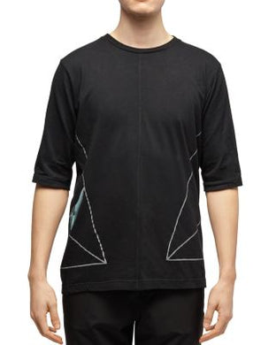 Dyne BLACK Side-Triangle Graphic Tee, US Medium S/S