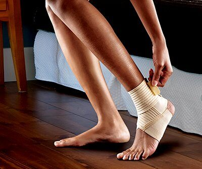 FUTURO Wrap Around Ankle Support - Small