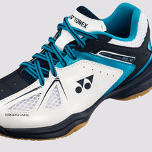 Load image into Gallery viewer, 2018 YONEX POWER CUSHION 35 JUNIOR BADMINTON SHOES - WHITE/SKY BLUE