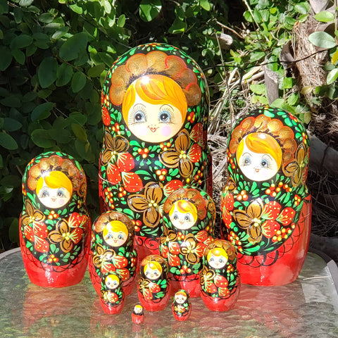 Large Set Nesting Dolls