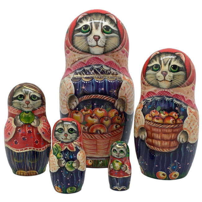 Russian cat nesting dolls