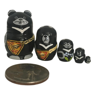 Miniature nesting dolls
