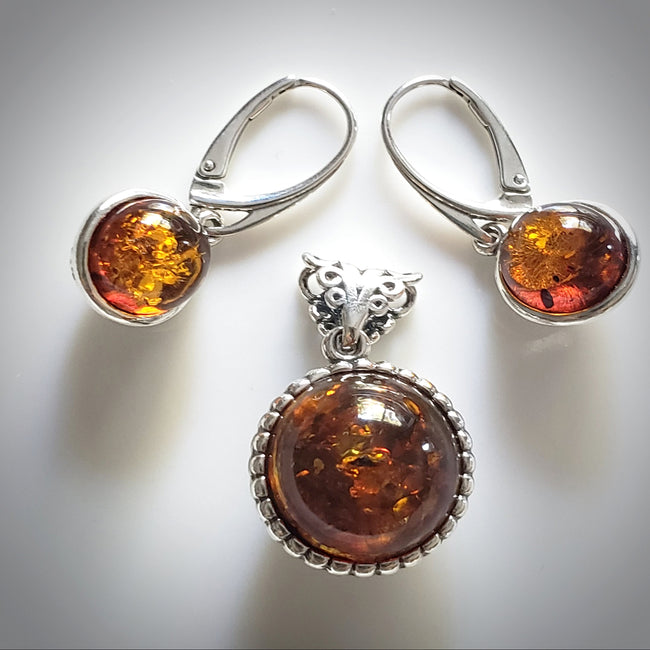 round amber bears earrings pendant set in silver