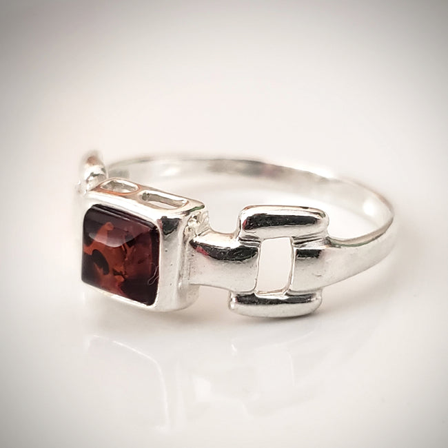 thumb chain silver amber ring