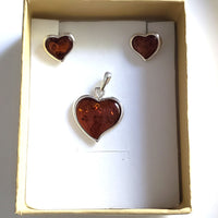 amber heart pendant earrings set in box