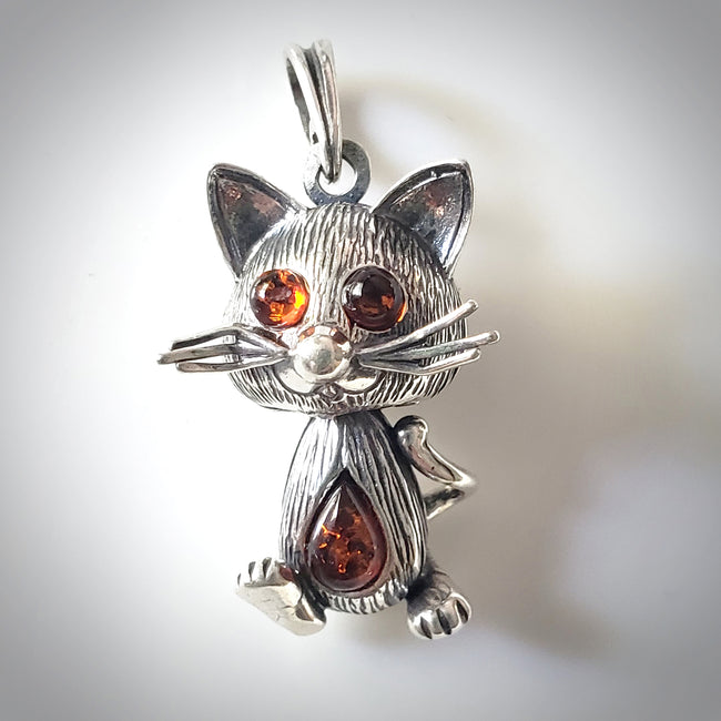 kitty cat with heart silver pendant