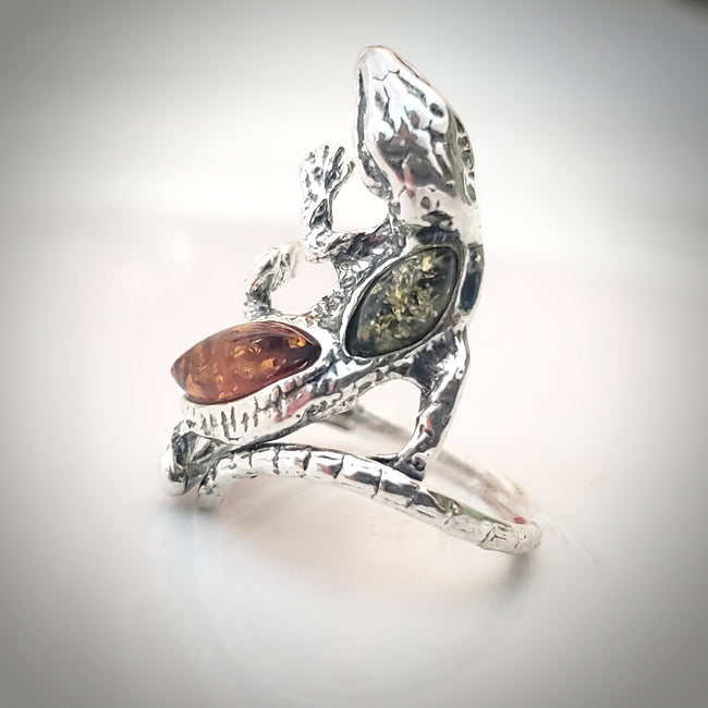 Sterling Silver Gecko Lizard Ring with Genuine Baltic Amber / Adjustable size